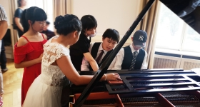 钢琴考试之后的快乐交流